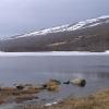 noch halb zugefrorener See