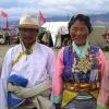 traditionell gekleidete Tibeter