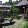 der Innenhof des Klosters ...