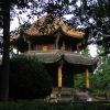 在公园的小的寺庙