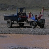 这样的车辆我们在西藏看得好几次