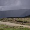因为风景那么大,所以有的时候可以看见在很远的地方的一个雷雨。。。