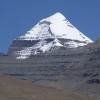 现在可以看一下我以前已经答应过的那个没有云的冈底斯山的照片