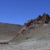 在山上有一个小的寺庙