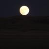 五分钟之前一点都还不可以看见月亮