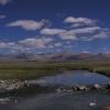 我们以前来的时候水还有非常多,河看上去很危险;现在都安静,漂亮