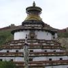 在这个印度塔里面也有很多佛像,可以上去差不多倒屋顶上