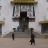 虽然已经看过不少的西藏的宫,可是这个当然比别的都厉害多了
