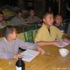 下午的时候我们给和尚教一点英语